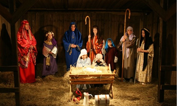 Good Shepherd Continues Live Nativity Tradition